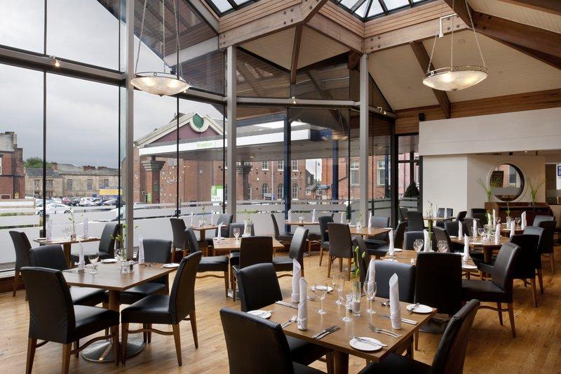 Holiday Inn Bolton Centre-Restaurant at Holiday Inn Bolton<br/>Image from Leonardo