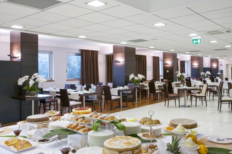 Holiday Inn Salerno - Cava de' Tirreni-Restaurant at breakfast<br/>Image from Leonardo
