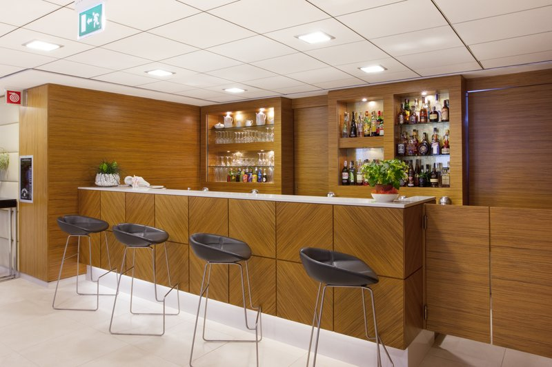 Holiday Inn Salerno - Cava de' Tirreni-Lobby Bar<br/>Image from Leonardo
