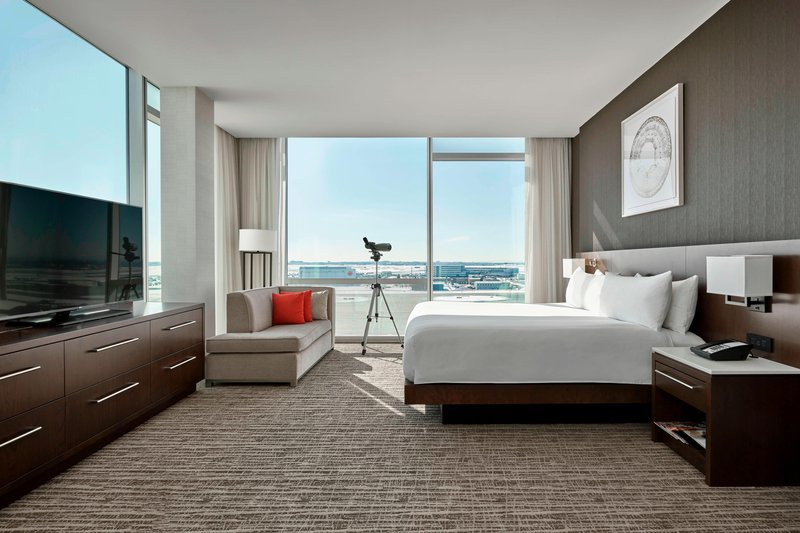 Delta Hotel Calgary Airport In-Terminal-Presidential Suite - Bedroom<br/>Image from Leonardo