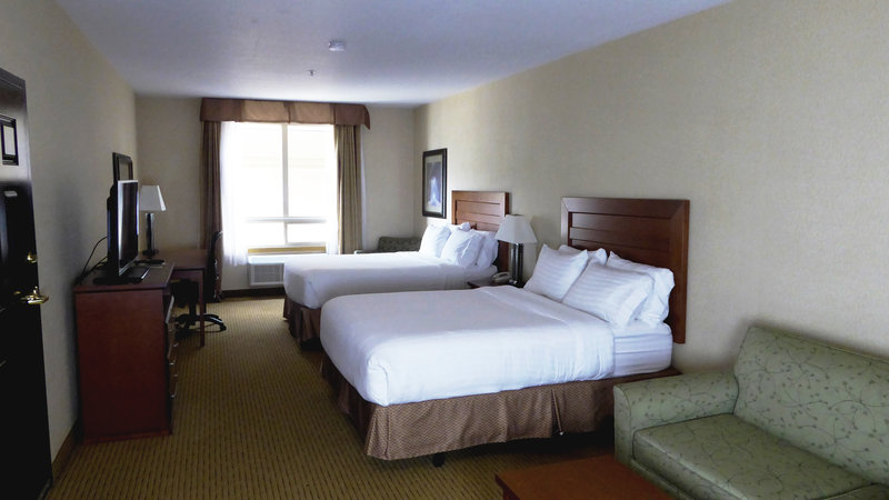 Holiday Inn Express & Suites Grande Prairie-Family Suite with Sofa Bed<br/>Image from Leonardo