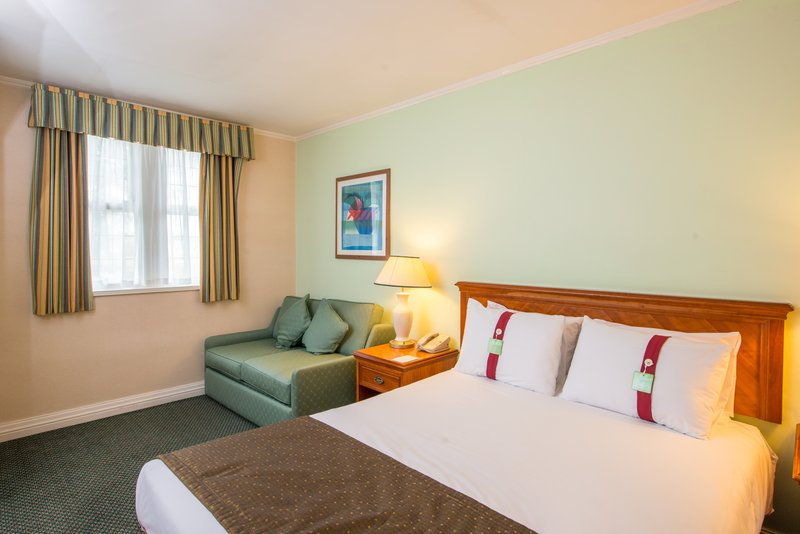 Holiday Inn Leeds - Bradford-Executive Double Room<br/>Image from Leonardo