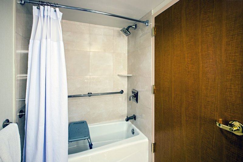 Crowne Plaza Philadelphia - King of Prussia-ADA Accessible Guest Bathroom with Transfer Tub<br/>Image from Leonardo