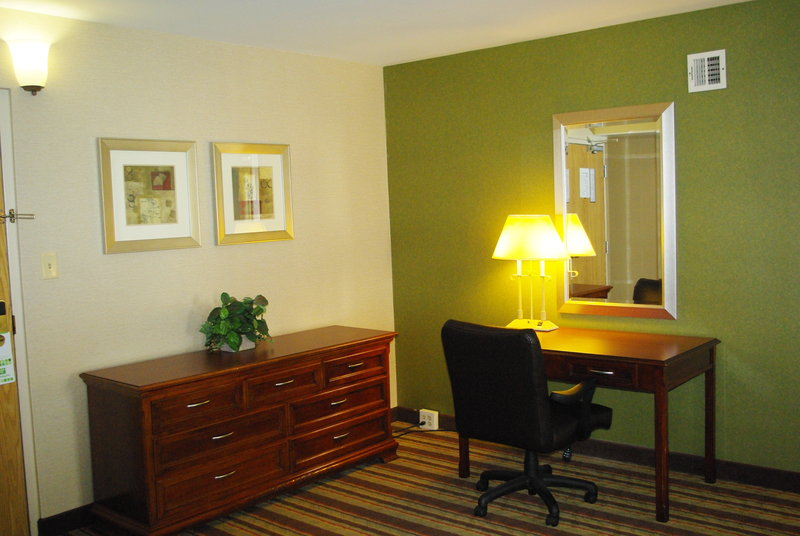 Holiday Inn Buena Park-Near Knott's-Travel in comfort for business or pleasure in our junior suite<br/>Image from Leonardo