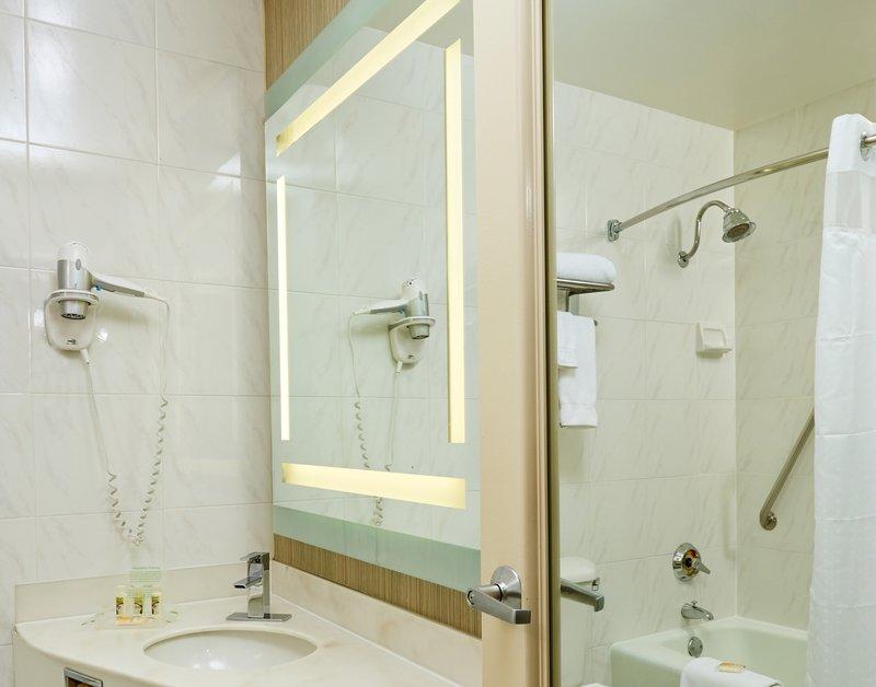 Holiday Inn Buena Park-Near Knott's-Bathrrom with large backlit mirror<br/>Image from Leonardo