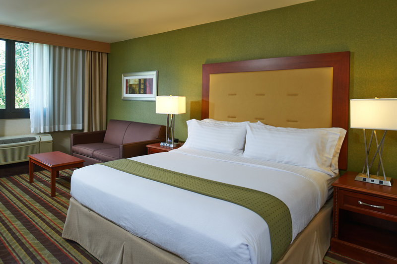 Holiday Inn Buena Park-Near Knott's-King bed guestrooms some available with sleeper sofa<br/>Image from Leonardo