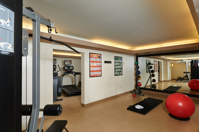 Holiday Inn Buena Park-Near Knott's-Bring your workout shoes hotel boasts an array of gym equipment<br/>Image from Leonardo