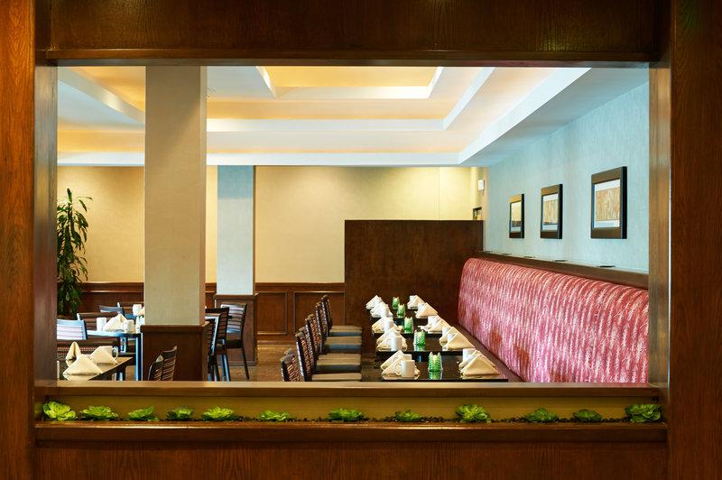 Holiday Inn Buena Park-Near Knott's-Ventanas Restaurant also providing room service all day<br/>Image from Leonardo