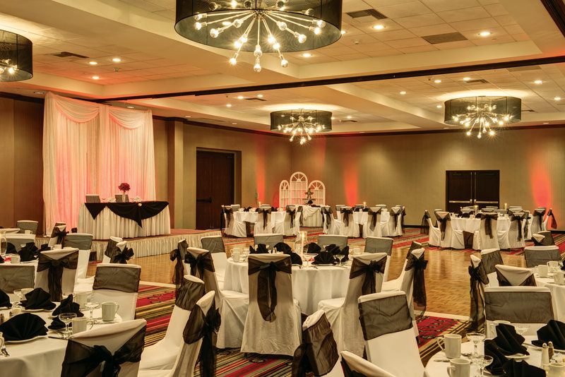 Holiday Inn Buena Park-Near Knott's-We are the wedding specialists in Orange County<br/>Image from Leonardo