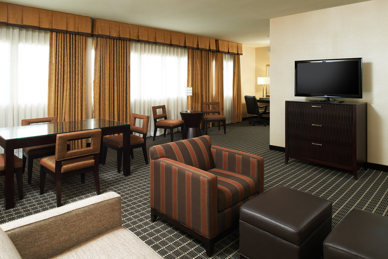 Holiday Inn Buena Park-Near Knott's-Presidential Suite with room to meet and relax in Buena Park<br/>Image from Leonardo