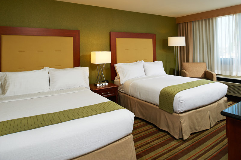 Holiday Inn Buena Park-Near Knott's-DoubleQueen Guestrooms plenty of space for the family<br/>Image from Leonardo