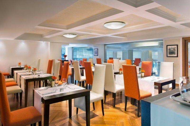Renaissance Naples Hotel Mediterraneo-O'Break Restaurant<br/>Image from Leonardo