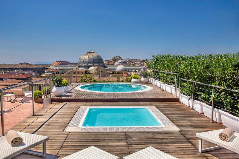 Renaissance Naples Hotel Mediterraneo-Jacuzzis on the Solarium<br/>Image from Leonardo
