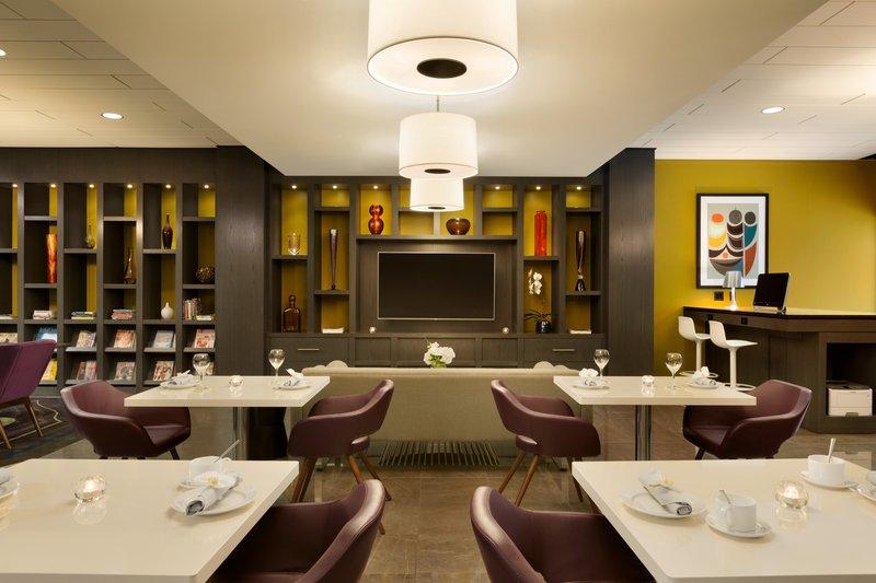 InterContinental Saint Paul Riverfront-Guest Lounge<br/>Image from Leonardo