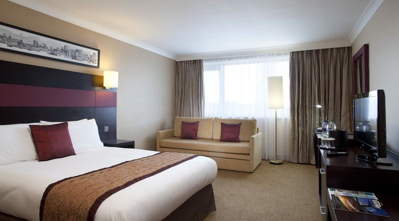 Crowne Plaza Manchester Airport-Double with a Single Sofa Bed<br/>Image from Leonardo
