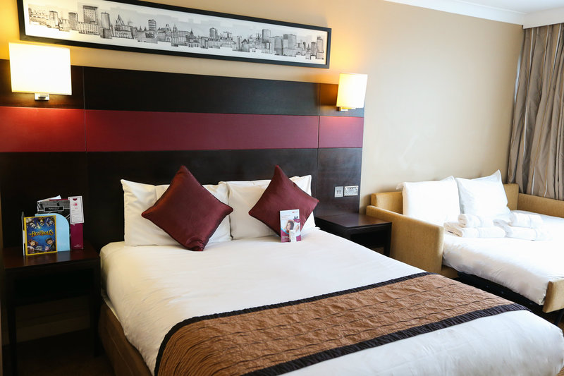Crowne Plaza Manchester Airport-Double Bed with a Double Sofa Bed<br/>Image from Leonardo