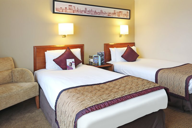 Crowne Plaza Manchester Airport-Twin Bedded Room<br/>Image from Leonardo