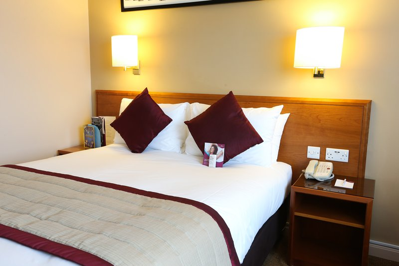 Crowne Plaza Manchester Airport-Standard Double room<br/>Image from Leonardo