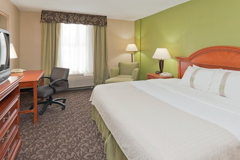 Holiday Inn Hotel & Suites Mansfield-Conference Ctr-Guest Room<br/>Image from Leonardo