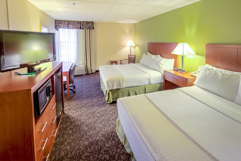 Holiday Inn Hotel & Suites Mansfield-Conference Ctr-Double Bed Guest Room<br/>Image from Leonardo