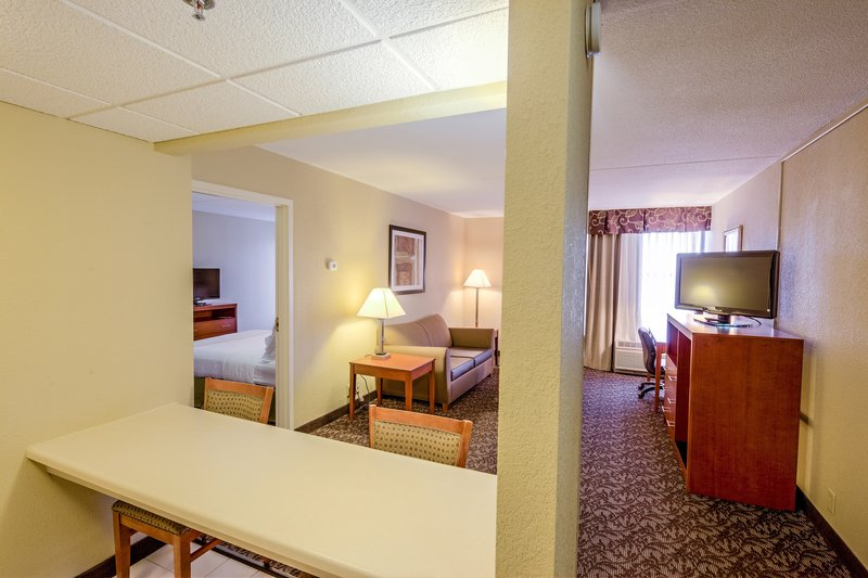 Holiday Inn Hotel & Suites Mansfield-Conference Ctr-Suite<br/>Image from Leonardo