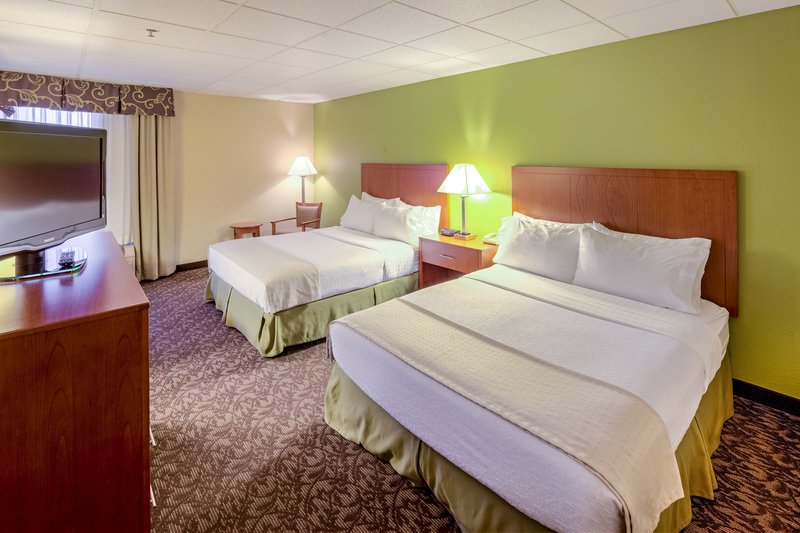 Holiday Inn Hotel & Suites Mansfield-Conference Ctr-Two Queen Bed Guest Room<br/>Image from Leonardo