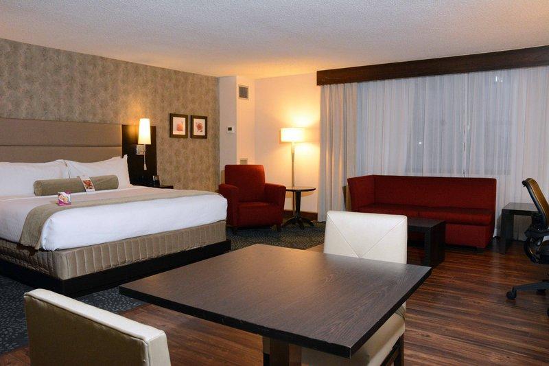 Crowne Plaza Stamford-Suite<br/>Image from Leonardo