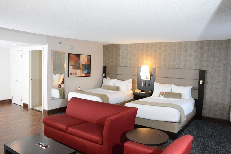 Crowne Plaza Stamford-Suite<br/>Image from Leonardo