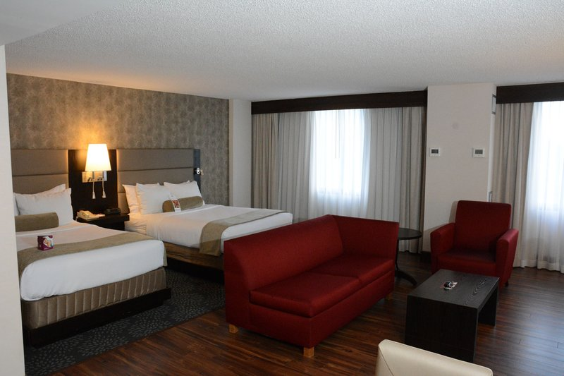 Crowne Plaza Stamford-Double Bed Guest Room<br/>Image from Leonardo