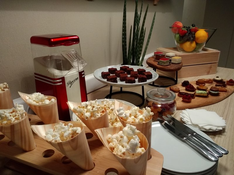 Holiday Inn Express Gent-Holiday Inn Express Afternoon Sweets<br/>Image from Leonardo