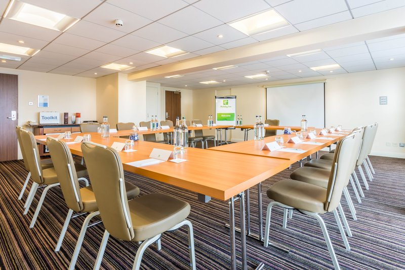 Holiday Inn Newcastle - Gosforth Park-Vickers suite set up in an U shape style<br/>Image from Leonardo