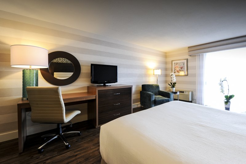 Holiday Inn Niagara Falls - by the Falls-All of our guests can take advantage of free WiFi and free parking<br/>Image from Leonardo
