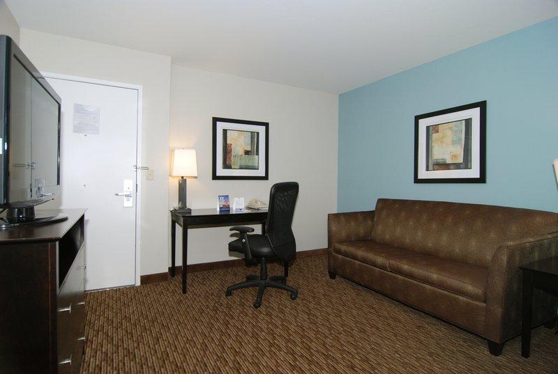 Holiday Inn Express & Suites Marana-Suite<br/>Image from Leonardo