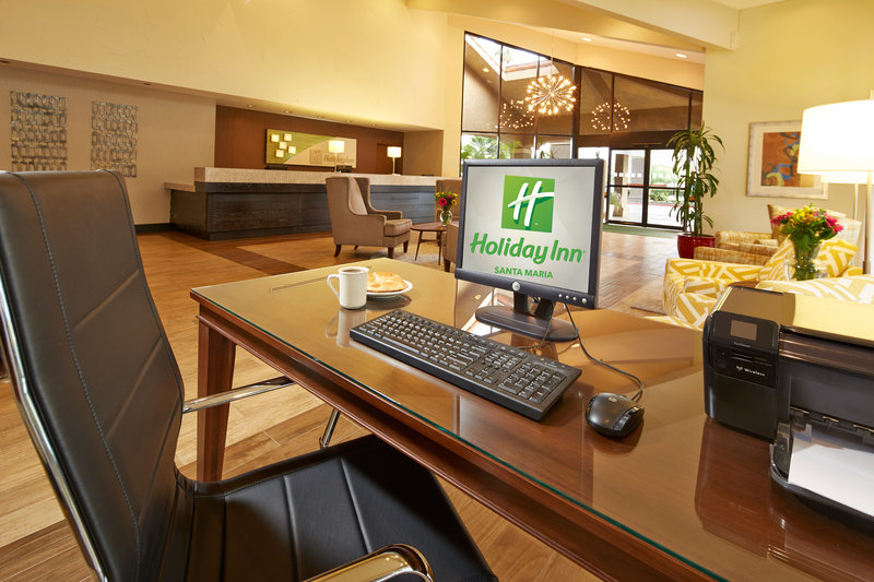 Holiday Inn Hotel & Suites Santa Maria-Lobby Lounge<br/>Image from Leonardo