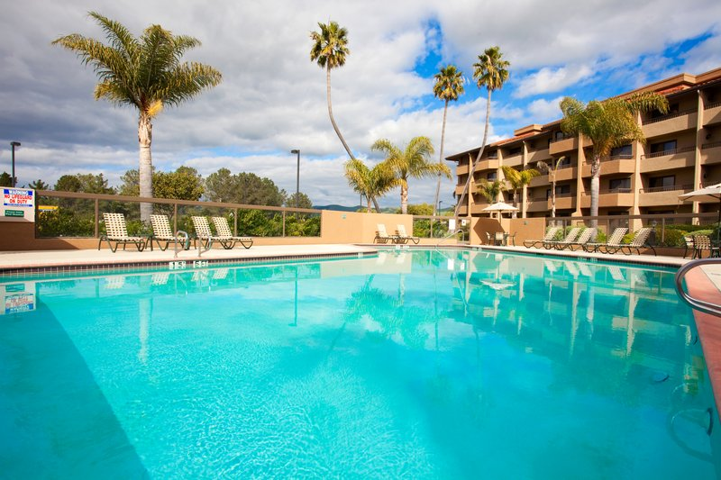Holiday Inn Hotel & Suites Santa Maria-Swimming Pool<br/>Image from Leonardo