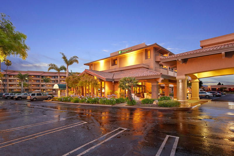 Holiday Inn Hotel & Suites Santa Maria-Hotel Exterior<br/>Image from Leonardo