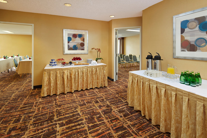 Holiday Inn Hotel & Suites Santa Maria-Pre-function Area<br/>Image from Leonardo