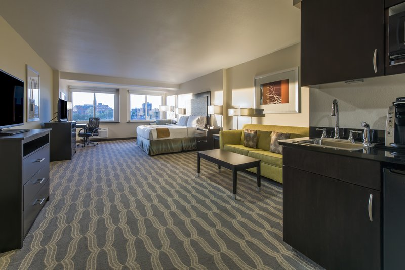 Holiday Inn Express & Suites Colorado Springs Central-eat views!King suite with separate living area and sofa bed.<br/>Image from Leonardo