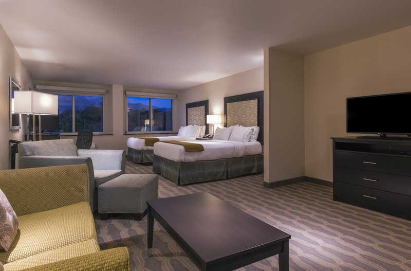 Holiday Inn Express & Suites Colorado Springs Central-2 Queen Suite with gorgeous mountain views!<br/>Image from Leonardo