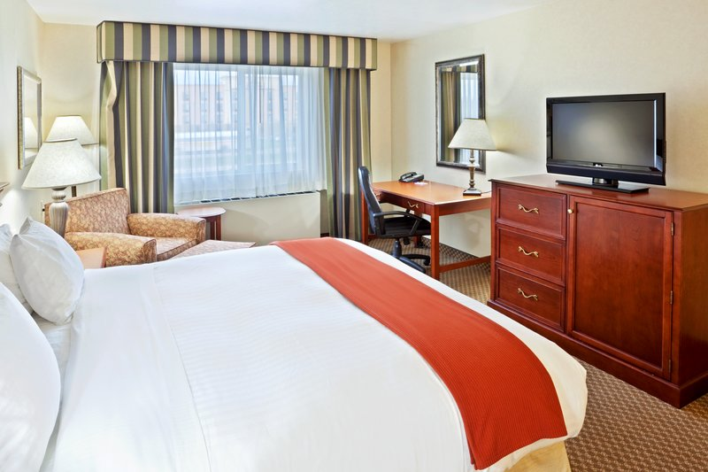 Holiday Inn Express & Suites Fairbanks-Suite<br/>Image from Leonardo