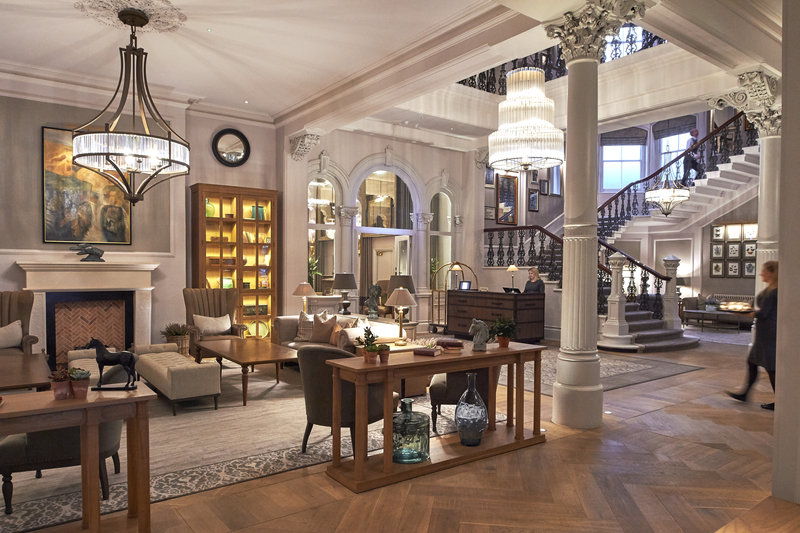 Principal York-The lobby lounge is the perfect place to meet for coffee<br/>Image from Leonardo