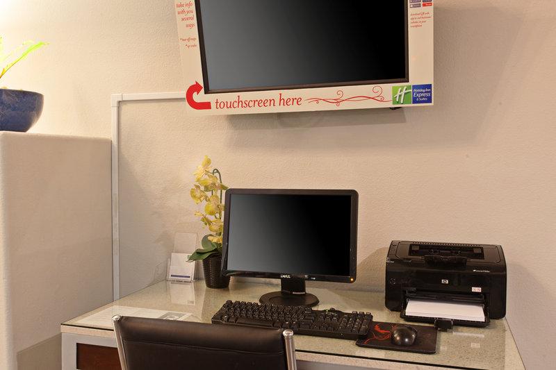 Holiday Inn Express Temecula-Lobby Business Center<br/>Image from Leonardo