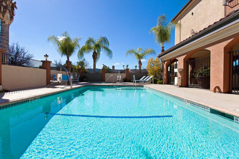 Holiday Inn Express Temecula-Heated Swimming Pool<br/>Image from Leonardo