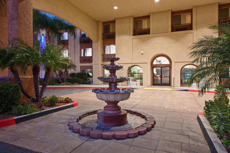 Holiday Inn Express Temecula-Hotel Entrance<br/>Image from Leonardo
