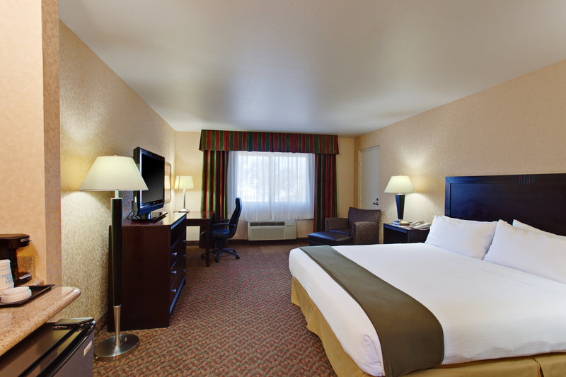 Holiday Inn Express Temecula-ADA/Handicapped accessible King Guest Room with mobility tub<br/>Image from Leonardo