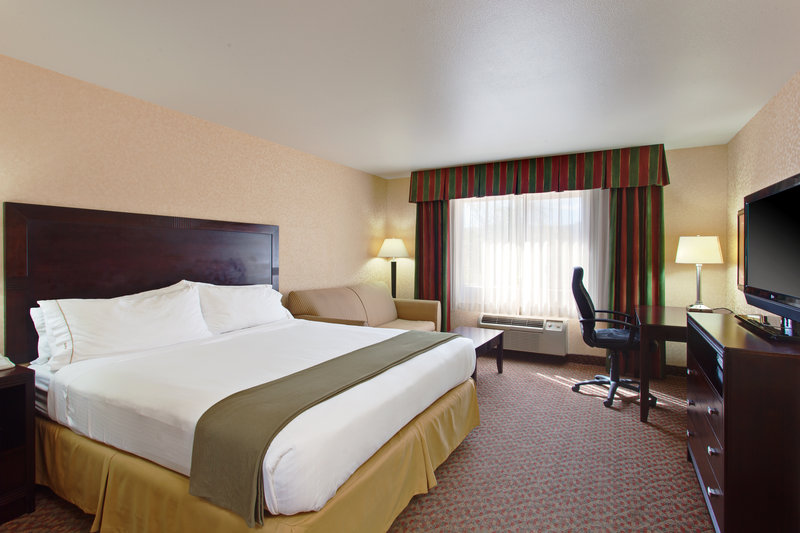 Holiday Inn Express Temecula-King Guest Room with sofa bed<br/>Image from Leonardo
