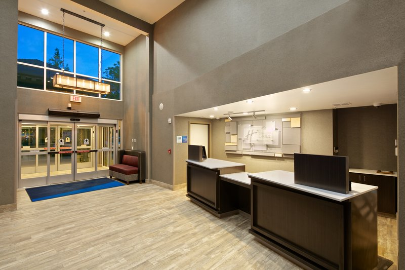 Holiday Inn Express and Suites-Front Desk<br/>Image from Leonardo