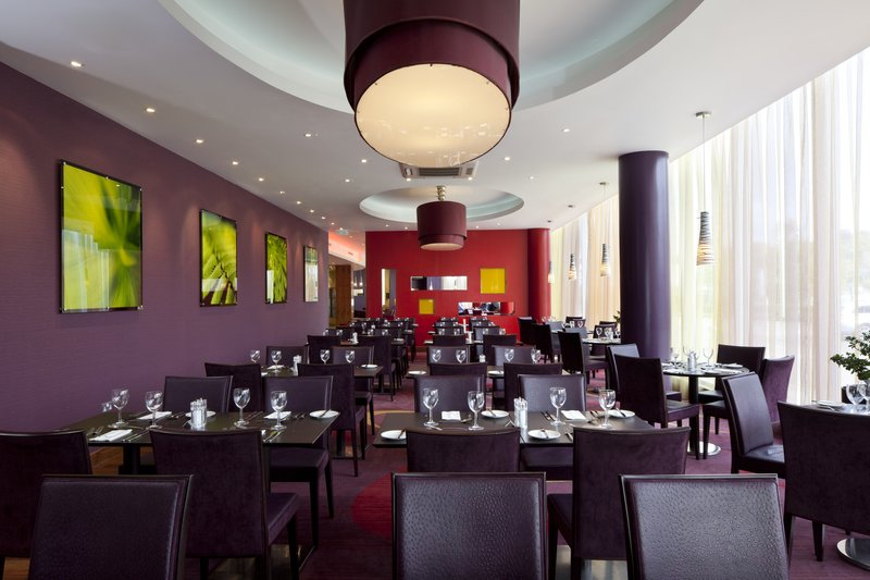 Holiday Inn Norwich City-Restaurant<br/>Image from Leonardo
