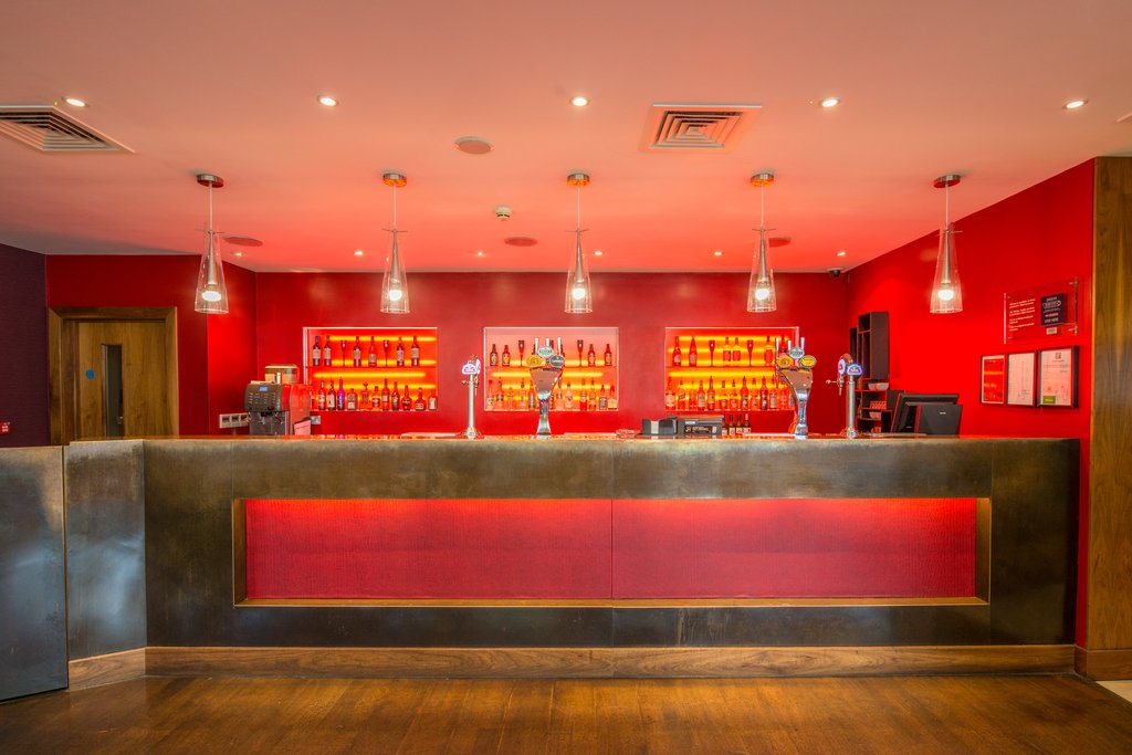 Holiday Inn Norwich City-Hotel Main Bar<br/>Image from Leonardo