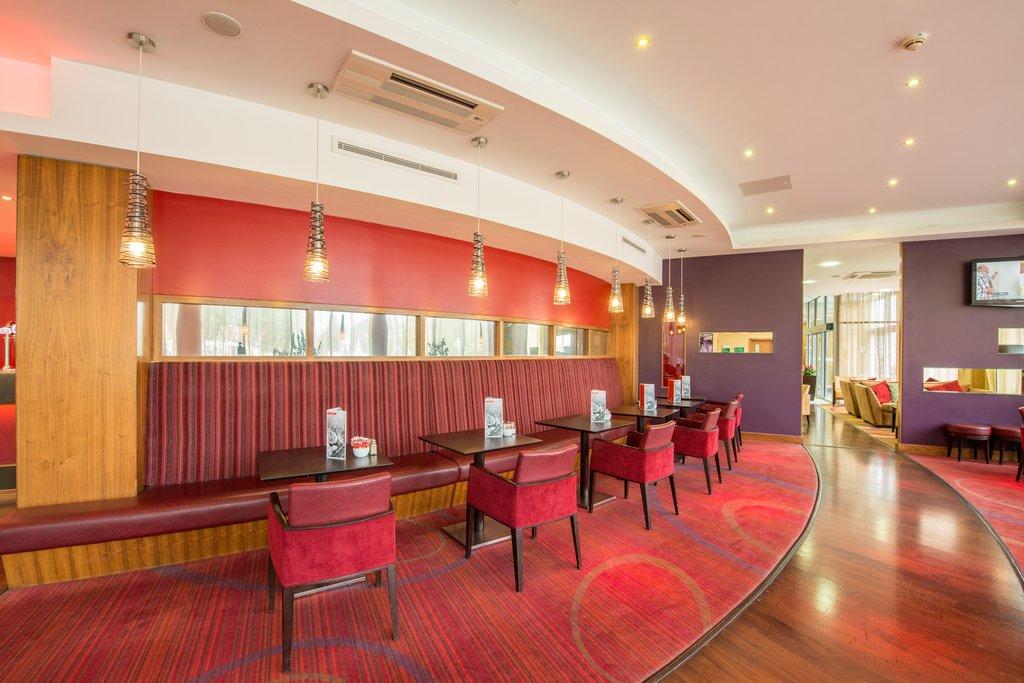 Holiday Inn Norwich City-Contemporary Bar & Lounge<br/>Image from Leonardo